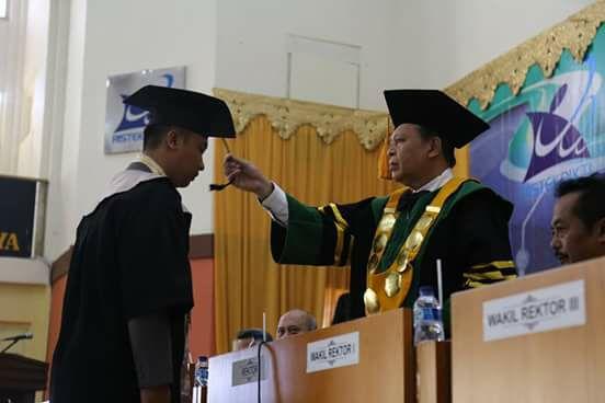 wisuda-universitas-siliwangi-2016