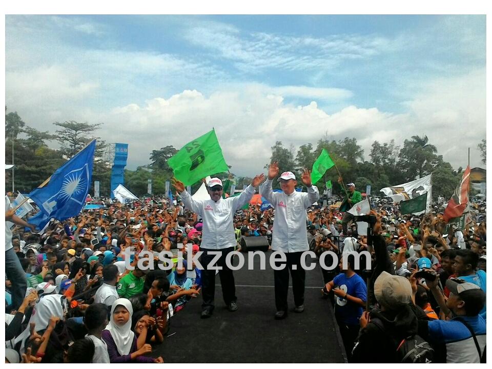 Puluhan Ribu Massa Dikampanye Terbuka Dahsyat