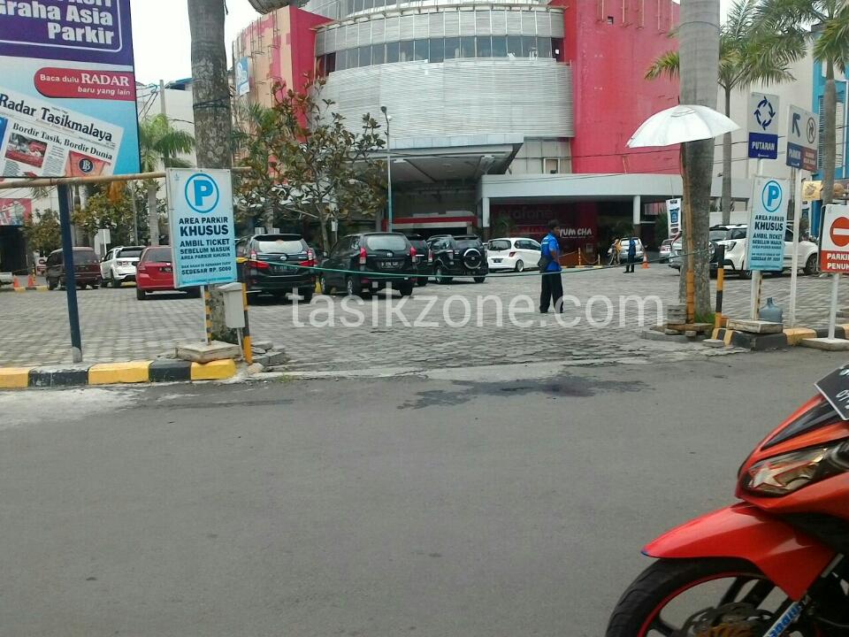 Pengunjung Asia Plaza Dikagetkan Tarif Tambahan
