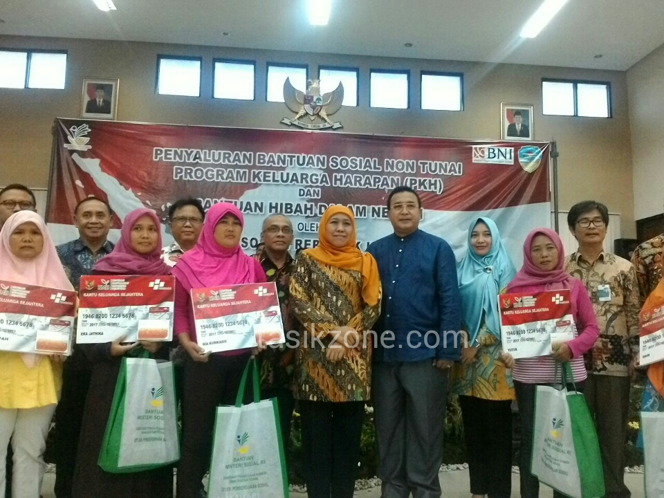 Pertama Di Indonesia, Penerima PKH Dapat ATM