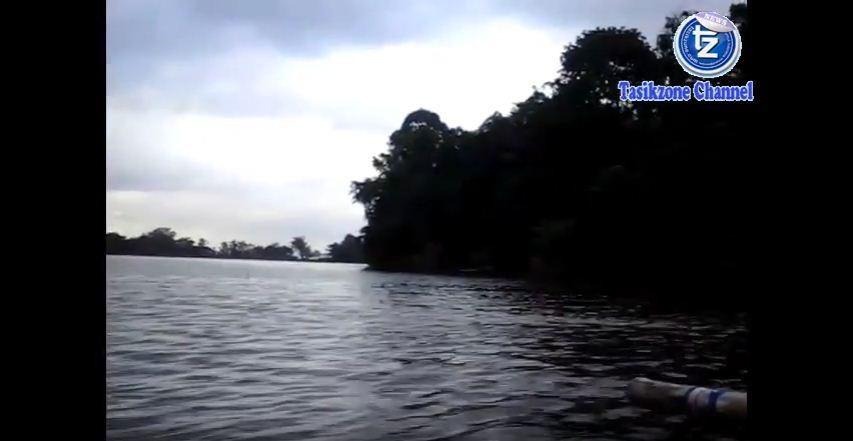 Panorama Situ gede tasikmalaya dengan menggunakan Perahu