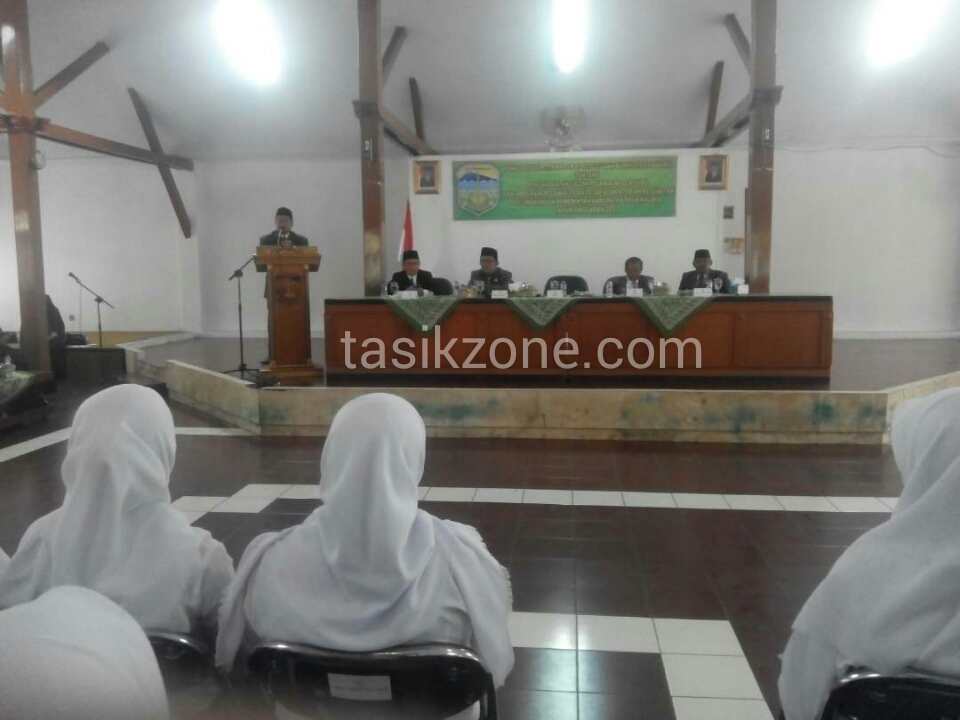Bupati Tasik Keluarkan SK CPNS Untuk 114 Bidan PPT