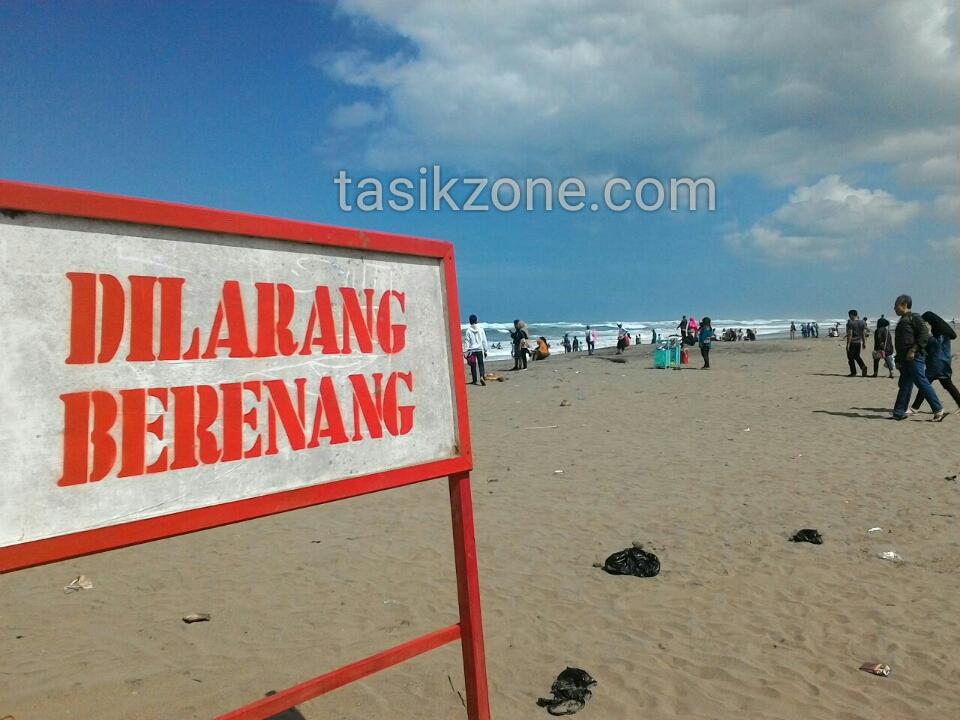 Ganasnya Pantai Cipatujah Tidak Dihiraukan, Wisatawan Nekat Berenang
