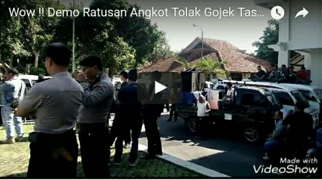 Cuplikan Video Demo Angkot Tolak Gojek