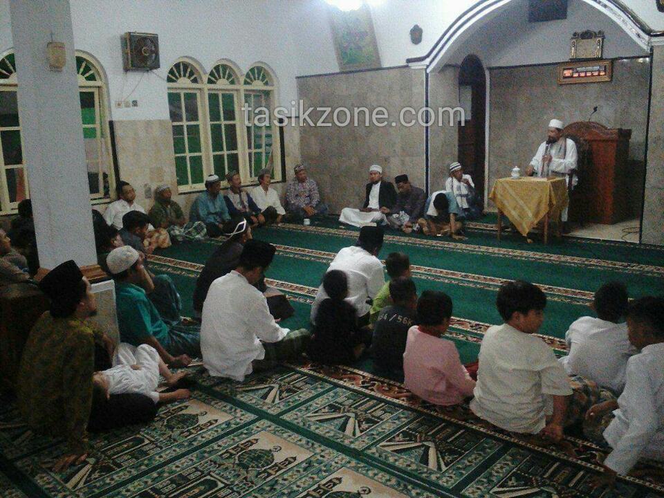 Eratkan Silaturahmi, Pengajian Jamaah Al Luhuriyah Gelar Halalbihalal