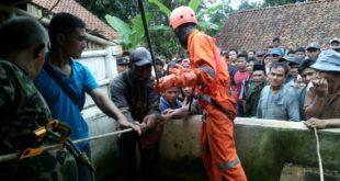 BPBD Kota Tasik Bantu Evakuasi, Mayat Didalam Sumur