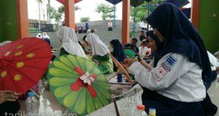 Rangkaian Tasik Oktober Festival, Perlombaan Lukis Payung Geulis Diikuti Ratusan Siswa