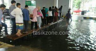 Diguyur Hujan Asia Plaza Langganan Banjir