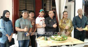 Ustad Riza Muhammad Turut Hadir Dalam Peresmian RM Ayam Geprek Mitoha