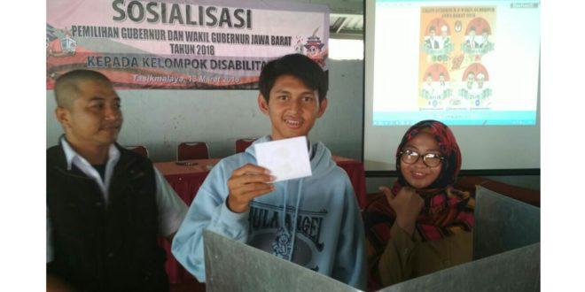 Penyandang Disabilitas Ikuti Sosialisasi Pilgub Jabar 2018