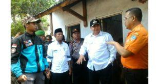 Walikota Tasik Kunjungi Warga Terdampak Banjir Bandang Di Buninagara
