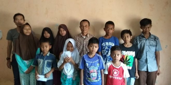 Diusia Ke-19 SKU Tribuana Koran Tasik, Santuni Anak Yatim