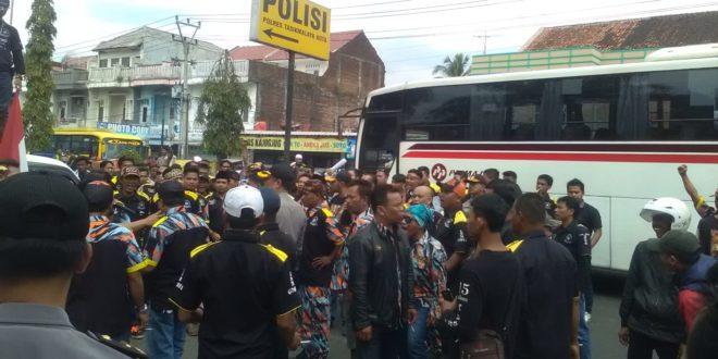 Massa GMBI Nilai Polresta Tasikmalaya Lamban Tangai Kasus Dugaan Pelanggaran UU ITE