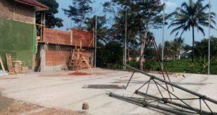 Pembangunan Sarana Olahraga Menuai Polemik, PJS Kades Margajaya Heran