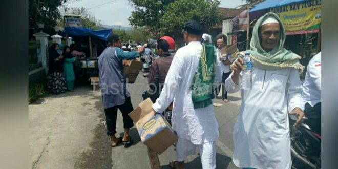 Di Tausiah Ustadz Abdul Somad Ada Jemaah Donasi Makanan Dan Minuman Gratis