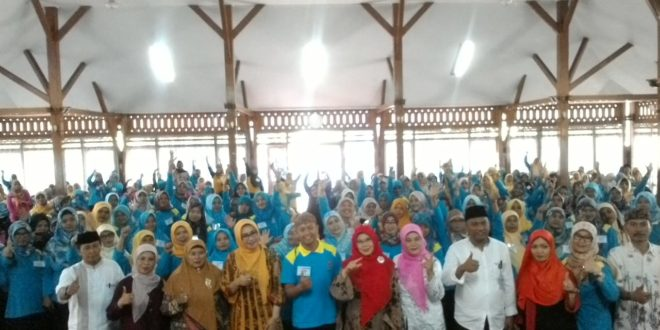 Tanamkan Cinta Budaya Daerah, Ratusan Guru TK Ikut Pelatihan Mahir Melatih Angklung