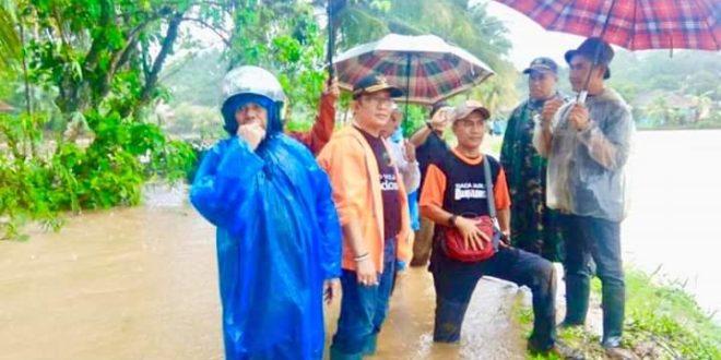 Bupati Tasik Kunjungi Lokasi Banjir Cipatujah