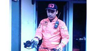 Petugas Damkar Sigap, Padamkan Api Di Gudang Elektronik
