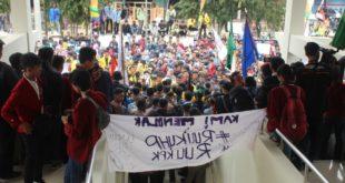 Ribuan Mahasiswa Tasikmalaya , Kepung Kantor DPRD
