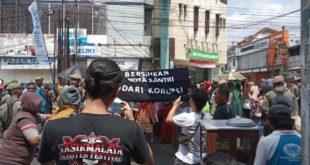 Dinas Terkait, Pembawa Jampana Mirip Keranda Jenazah Jadi Perhatian Pengunjung Tasik Oktober Festival