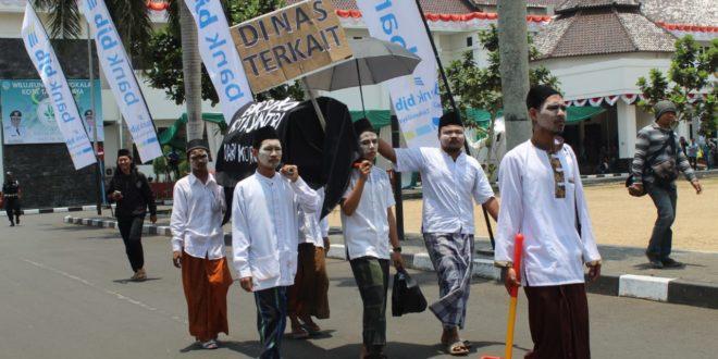 Keranda Jenazah Bersihkan Kota Santri Dari Korupsi, Ekspresi Menyampaikan Pendapat Merupakan Hak Asasi Manusia