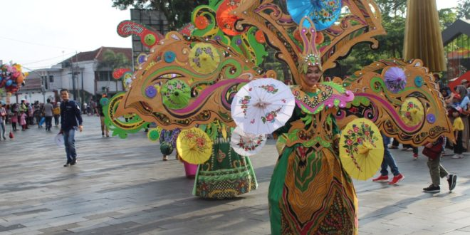 Karnaval Budaya, Jampana Dan Fashion Carnaval Libatkan Ribuan Peserta