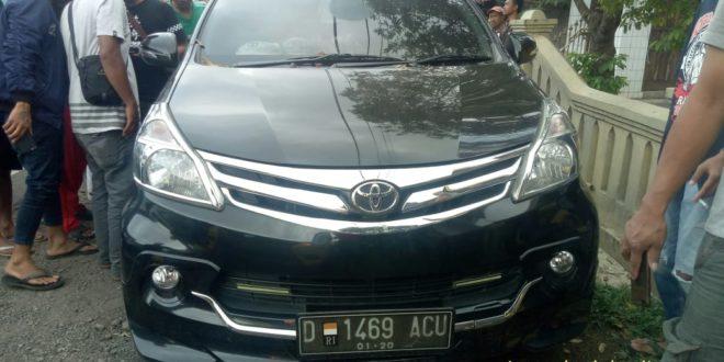 Kepala Sekolah Di Kabupaten Tasik Ditemukan Meninggal Dunia Didalam Mobil