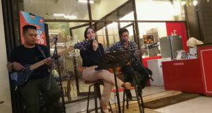Kopi Pasir Aladdin Tampilkan Live Music Icha Anisa