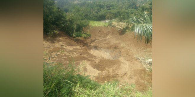 Terjadi Bencana Longsor Di Perbatasan Cisayong-Sukaratu