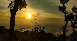 Panorama Sunrise di Sukaraja, Obati Penat Saat New Normal