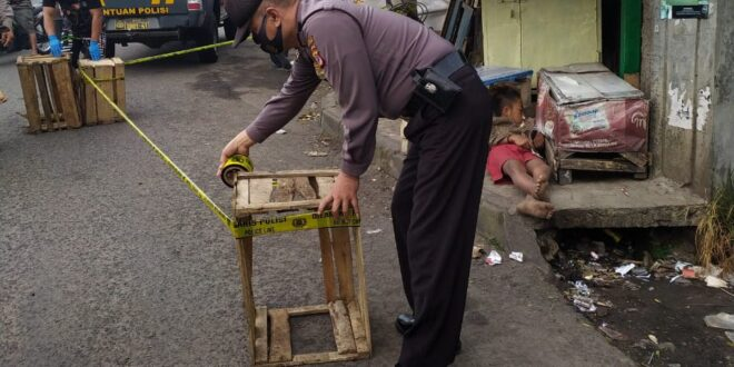 Mayat Laki Laki Tanpa Identitas Ditemukan Di Depan Pasar Indihiang