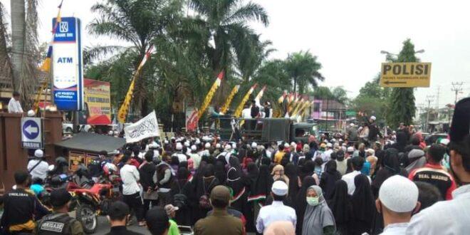 Ribuan Umat Islam Tasikmalaya Kembali Geruduk Mapolresta Tasik, Pinta Boedi Djarot Diproses Hukum
