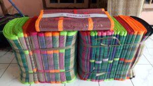 Tikar Mendong Mandiri Jaya ini bisa dipesan melalui no handphone 085223884445 (Pepen)