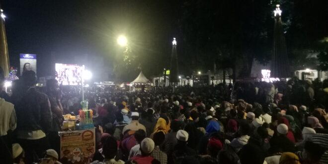 Menyemut, Umat Islam Tasikmalaya Sambut Ustadz Abdul Somad
