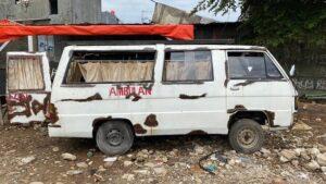 Ambulans Angker yang dibeli Demian  Ket Foto instagram @_demianaditya_