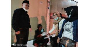 Aksi Sosial Relawan Kang Yanto Oce, Berbagi Nasi Di Malam Hari Sisir Tunawisma Di Pinggiran Kota