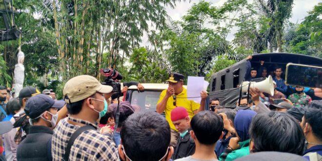 Wagub Jabar Tutup Sementara Tambang Pasir Leuweung Kesik