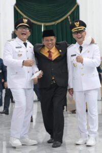 Bupati Tasikmalaya Ade Sugianto(kiri) Uu Ruzhanul Ulum (tengah) Wakil Bupati Tasikmalaya Cecep Nurul Yakin (kanan)