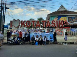 Foto Bersama GTHNK35+ Kota Tasikmalaya setelah berbagi takjil