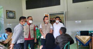 Muhammad Husein Fadlulloh Tinjau Vaksinasi Covid 19 di Tasikmalaya